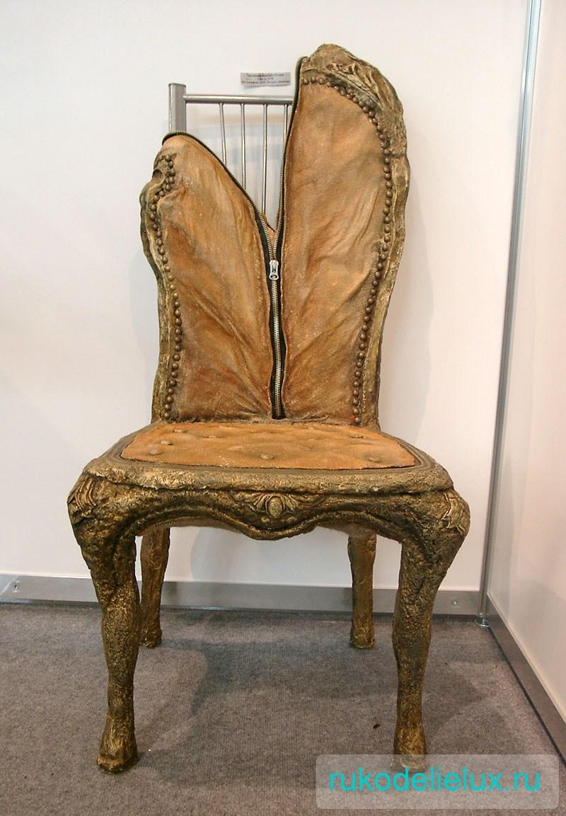 Инсталляция стула