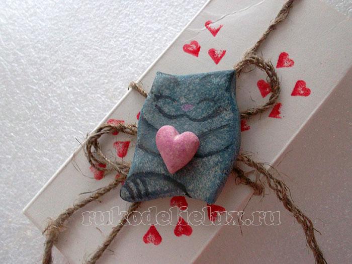 Сувенир — камушек с валентинкой своими руками