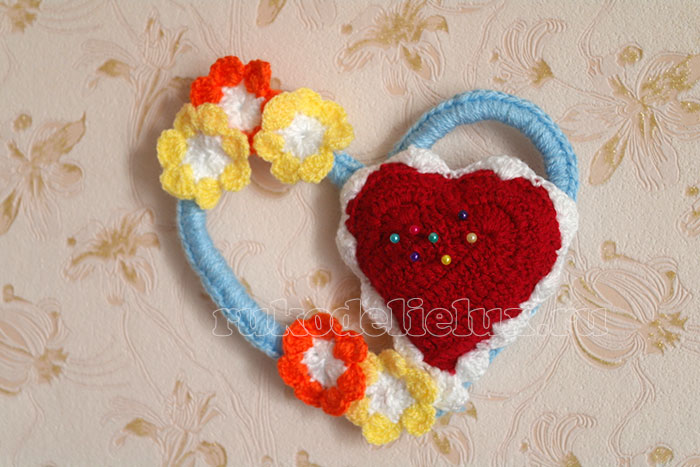 вязанная игольница валентинка своими руками