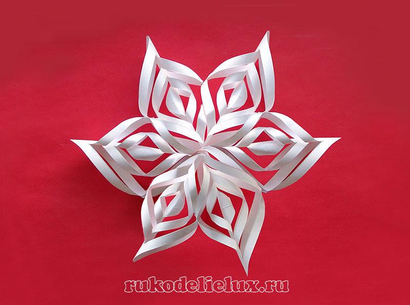 3-D снежинка из бумаги