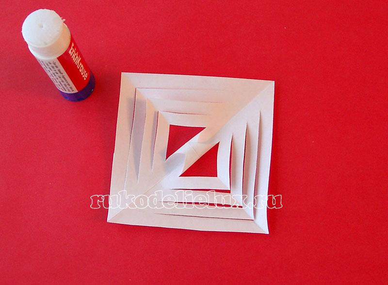 как сделать 3-D снежинку из бумаги