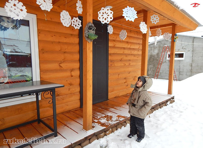 Снежинки из пенопласта своими руками