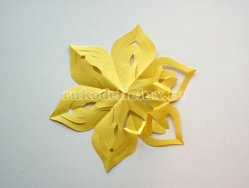 snezhinki-kirigami-svoimi-rukami (13)
