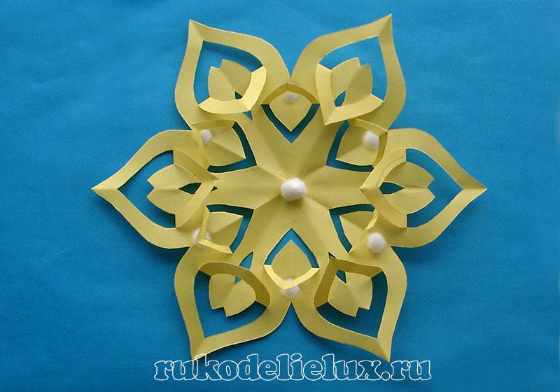 snezhinki-kirigami-svoimi-rukami (16)
