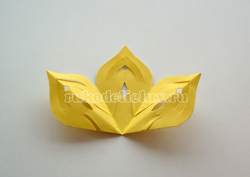 snezhinki-kirigami-svoimi-rukami (9)