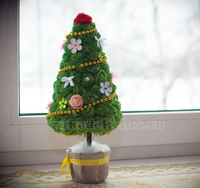 Еще один вариант елки из салфеток