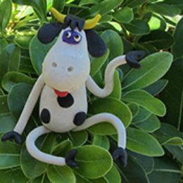 Как слепить корову из пластилина