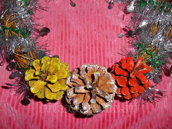 Венок на Новый год и Рождество из веточек ивы - поделка своими руками