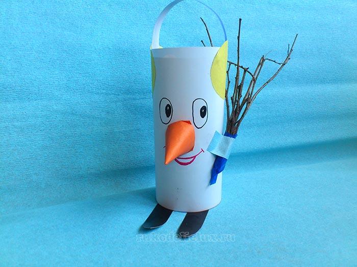 Бумажный снеговик из рулона