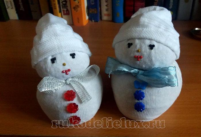 Снеговик из носочков своими руками
