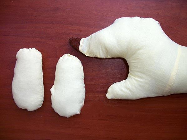 valik-ot-skvoznyakov-svoimi-rukami (18)