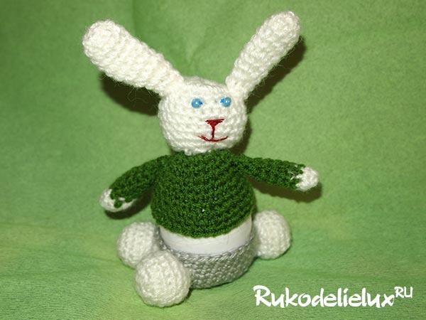 Зайчик-грелка для яйца крючком