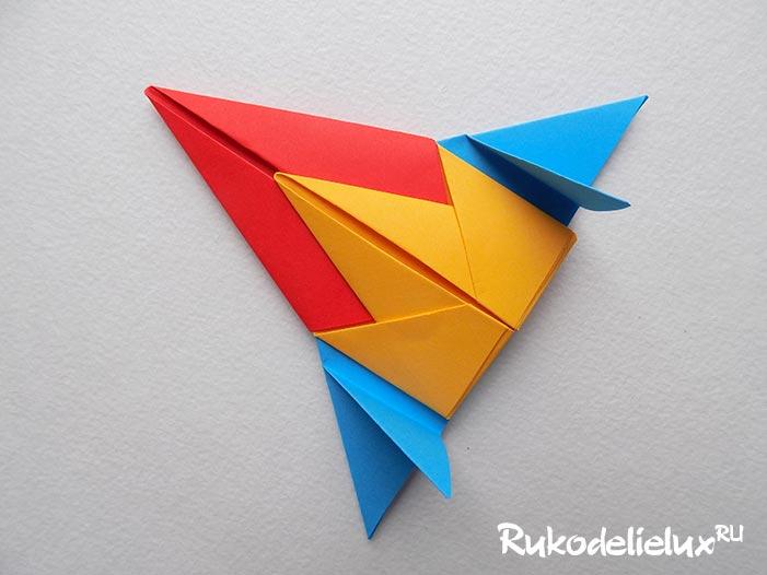 Реактивный самолёт из бумаги