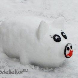 Свинья из снега — как слепить