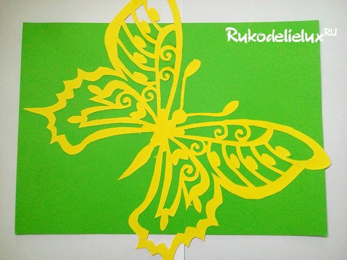Картина с бабочкой из бумаги