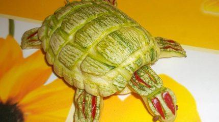 Как сделать черепаху из кабачка или цукини