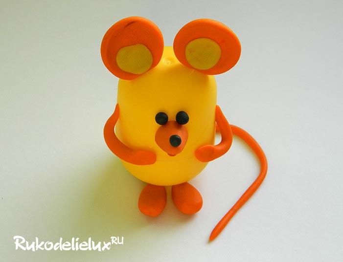 Мышка из контейнера из-под киндер сюрприза