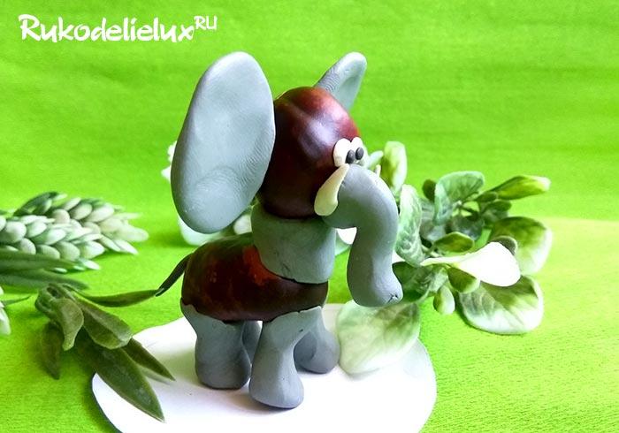 Слон из каштанов и пластилина