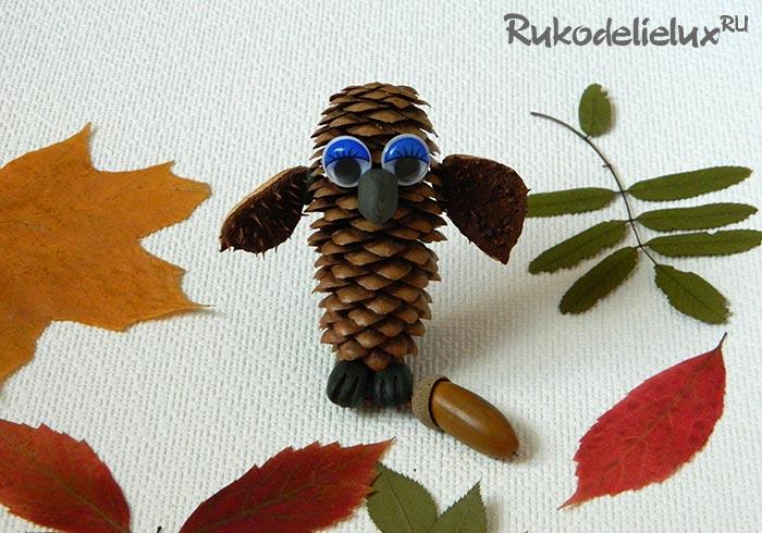 Как сделать сову из шишек