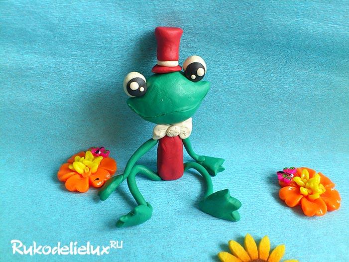 Как слепить лягушку из пластилина