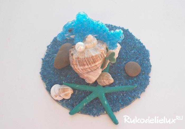 Сувенир Дельфин и рифы из ракушек и диска
