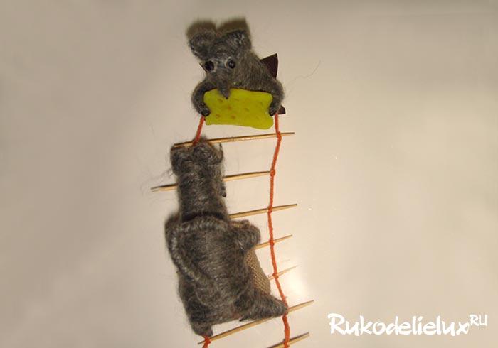Магнит на холодильник Крыски-воришки