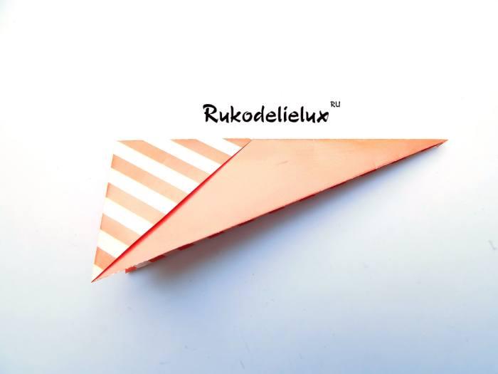 Такая готовая заготовка получилась для оригами рамки для фото