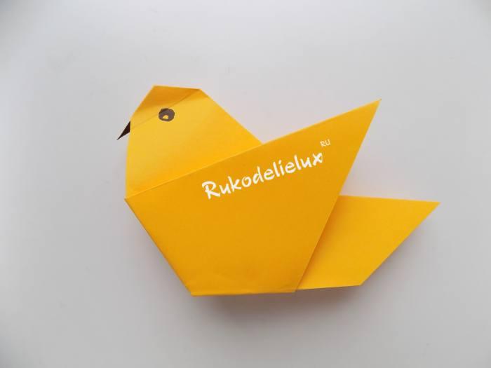 сделанная оригами птичка для детей