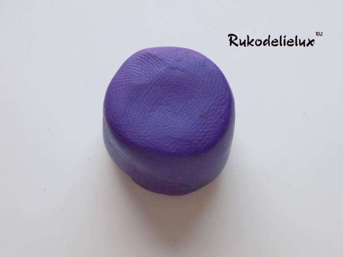 фиолетовая основа для поделки из пластилина пирожное