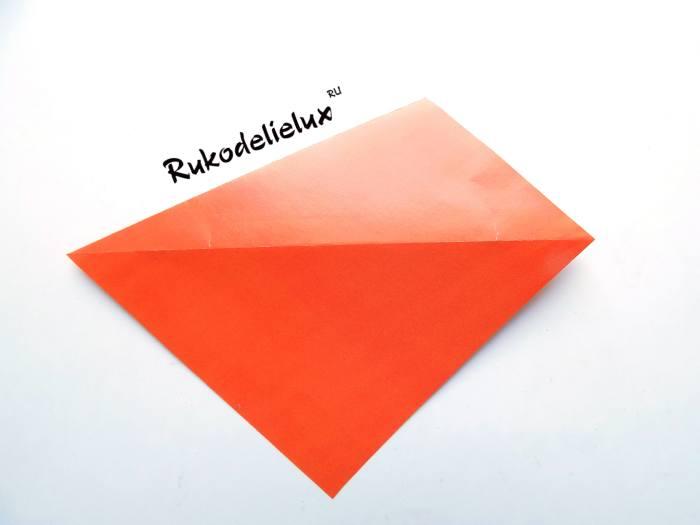 Переворачивание заготовки для фоторамки из бумаги