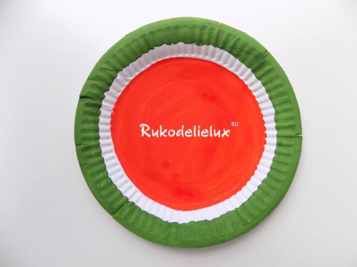 красная краска для веера Арбуз из тарелки