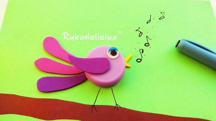 пишем звуки птички на поделке