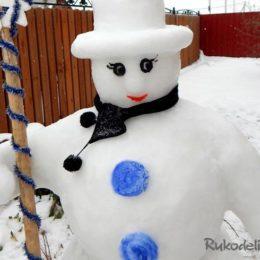 Снеговик из снега своими руками